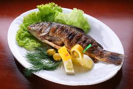 Grilled fish with spicy sauce